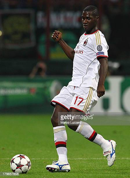 Cristian Zapata of AC Milan in action during the UEFA Champions League Play Off Second leg match between AC Milan and PSV Eindhoven at Stadio...