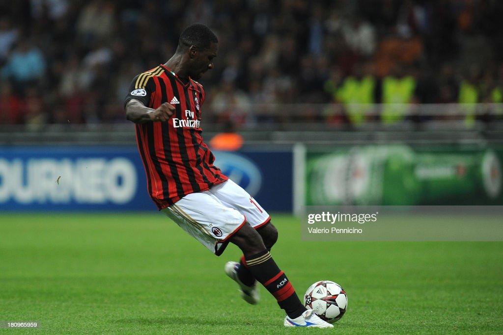 <a gi-track='captionPersonalityLinkClicked' href=/galleries/search?phrase=Cristian+Zapata&family=editorial&specificpeople=854055 ng-click='$event.stopPropagation()'>Cristian Zapata</a> of AC Milan scories the opening goal during the UEFA Champions League group H match between AC Milan and Celtic at Stadio Giuseppe Meazza on September 18, 2013 in Milan, Italy.