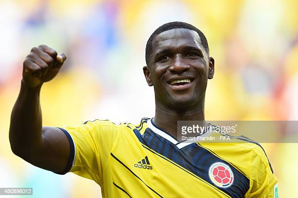 Cristian Zapata of Colombia appaluds the fans after the 2014 FIFA World Cup Brazil Group C match between Colombia and Cote D'Ivoire at Estadio...