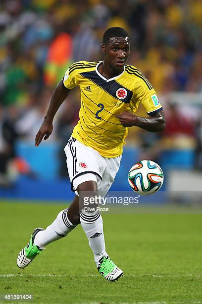 Cristian Zapata of Colombia controls the ball during the 2014 FIFA World Cup Brazil round of 16 match between Colombia and Uruguay at Maracana on...