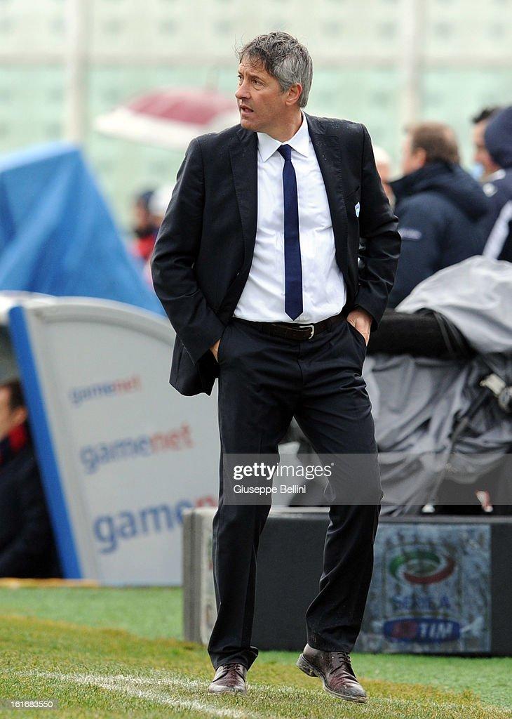 Cristiano Bergodi head coach of Pescara during the Serie A match between Pescara and Bologna FC at Adriatico Stadium on February 3, 2013 in Pescara, Italy.