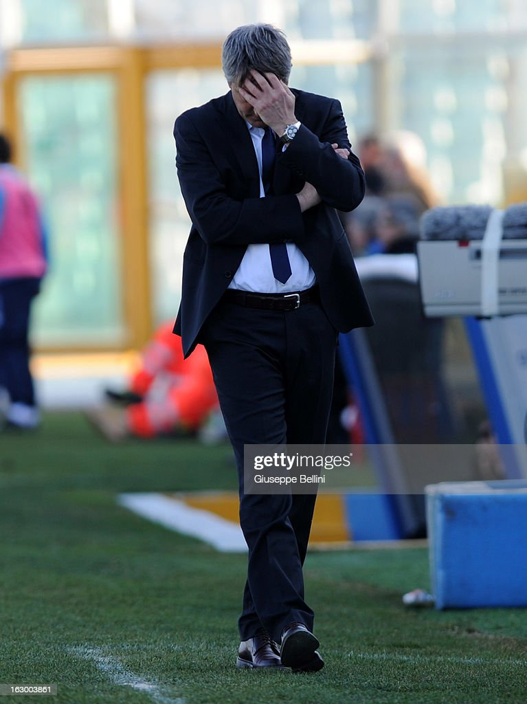 Cristiano Bergodi head coach of Pescara looks dejected during the Serie A match between Pescara and Udinese Calcio at Adriatico Stadium on March 3, 2013 in Pescara, Italy.