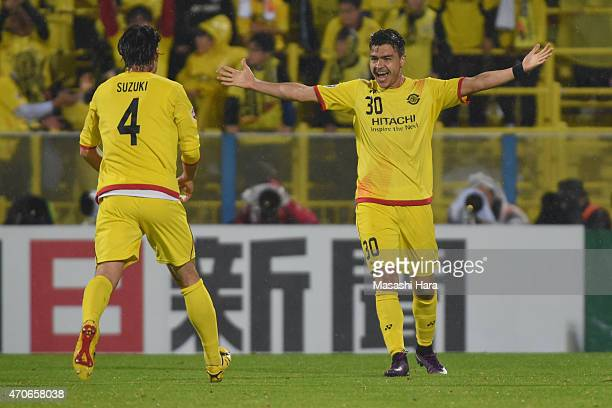Cristiano Da Silva of Kashiwa Reysol celebrates the assist for second goal of Kosuke Taketomi during the AFC Champions League Group E match between...