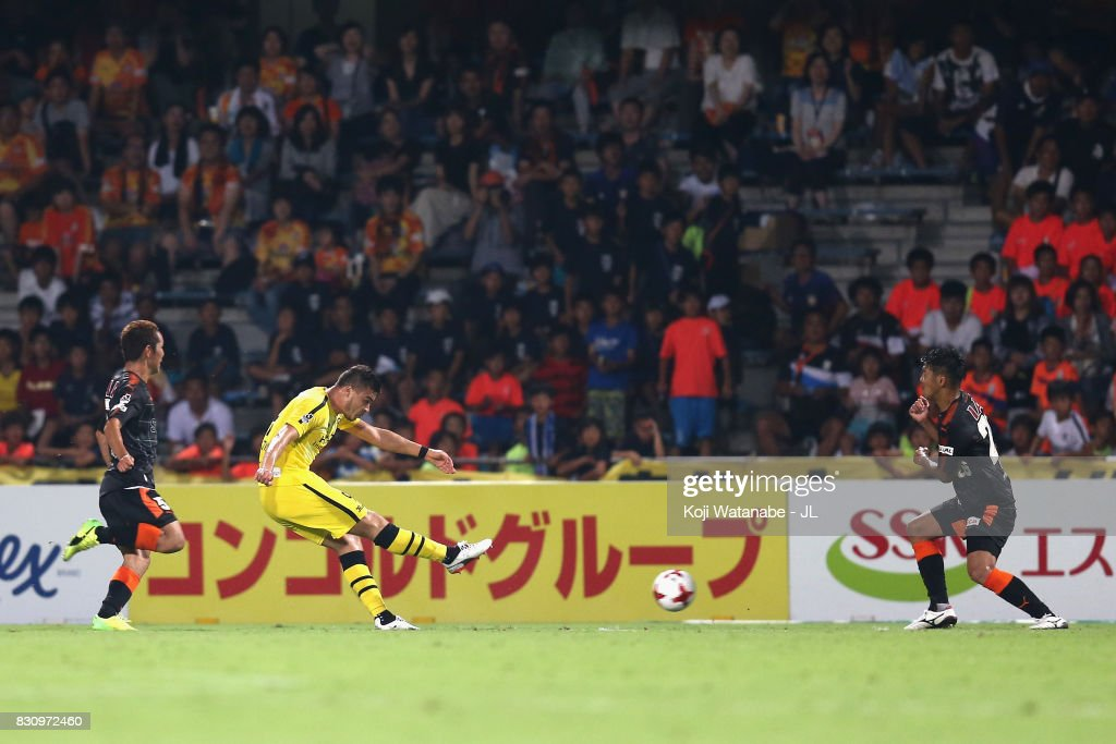 Cristiano of Kashiwa Reysol scores his side's fourth goal during the J.League J1 match between Shimizu S-Pulse and Kashiwa Reysol at IAI Stadium Nihondaira on August 13, 2017 in Shizuoka, Japan.