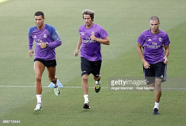 Real Madrid Training Session : ニュース写真