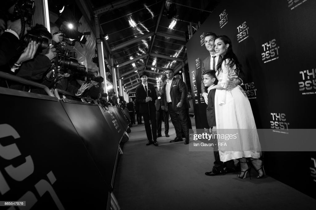 Cristiano Ronaldo, his Girlfriend, Georgina Rodriguez and his son Cristiano Ronaldo Jr arrives on the green carpet for The Best FIFA Football Awards at The London Palladium on October 23, 2017 in London, England.