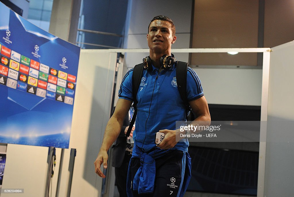 <a gi-track='captionPersonalityLinkClicked' href=/galleries/search?phrase=Cristiano+Ronaldo+-+Soccer+Player&family=editorial&specificpeople=162689 ng-click='$event.stopPropagation()'>Cristiano Ronaldo</a> of Real Madrid arrives at the Santiago Bernabeu stadium ahead of the UEFA Champions League Semi Final second leg match between Real Madrid and Manchester City FC at Estadio Santiago Bernabeu on May 4, 2016 in Madrid, Spain.