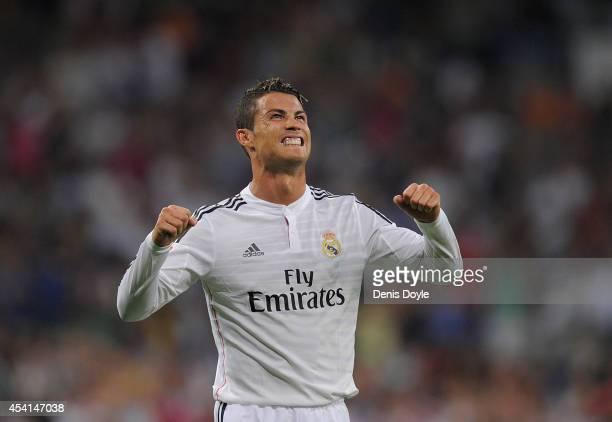 Cristiano Ronaldo of Real Madrid celebrates after scoring Real's 2nd goal during the La liga match between Real Madrid CF and Cordoba CF at Estadio...