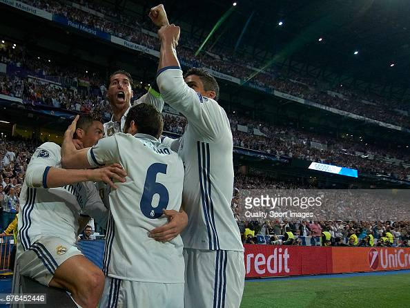 Real Madrid CF v Club Atletico de Madrid - UEFA Champions League Semi Final: First Leg : News Photo