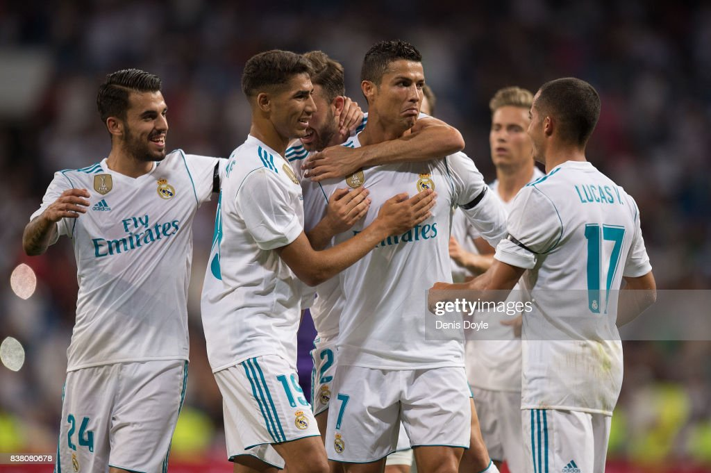 Cristiano Ronaldo of Real Madrid CF celebrates after scoring his teamÕs 2nd goalduring the Santiago Bernabeu Trophy match between Real Madrid CF and ACF Fiorentina at Estadio Santiago Bernabeu on August 23, 2017 in Madrid, Spain.