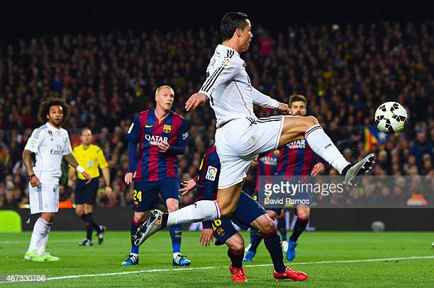 Cristiano Ronaldo of Real Madrid CF kicks the ball towards goal during the La Liga match Between FC Barcelona and Real Madrid CF at Camp Nou on March...
