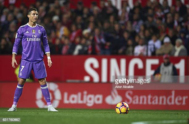 Cristiano Ronaldo of Real Madrid CF prepares totake a free kick during the La Liga match between Sevilla FC and Real Madrid CF at Estadio Ramon...