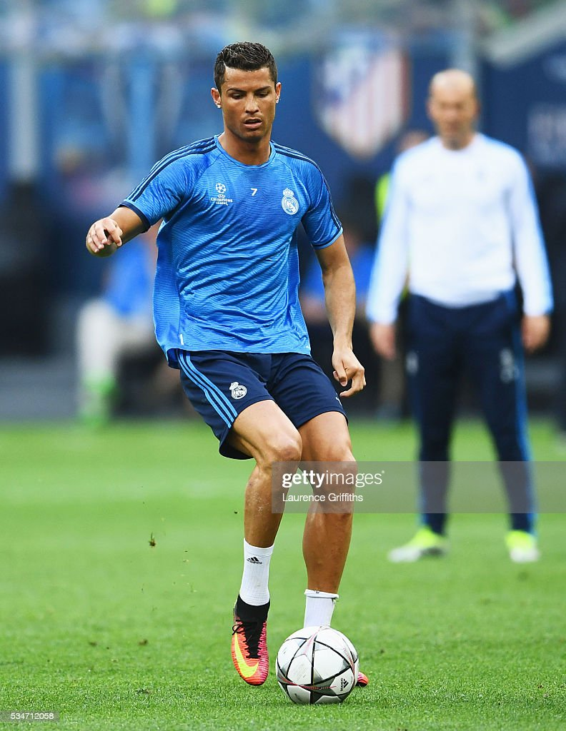 <a gi-track='captionPersonalityLinkClicked' href=/galleries/search?phrase=Cristiano+Ronaldo+-+Soccer+Player&family=editorial&specificpeople=162689 ng-click='$event.stopPropagation()'>Cristiano Ronaldo</a> of Real Madrid controls the ball during a Real Madrid training session on the eve of the UEFA Champions League Final against Atletico de Madrid at Stadio Giuseppe Meazza on May 27, 2016 in Milan, Italy.