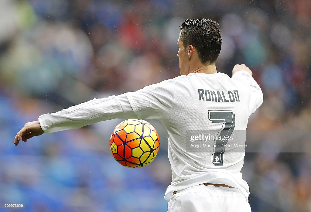 <a gi-track='captionPersonalityLinkClicked' href=/galleries/search?phrase=Cristiano+Ronaldo+-+Soccer+Player&family=editorial&specificpeople=162689 ng-click='$event.stopPropagation()'>Cristiano Ronaldo</a> of Real Madrid controls the ball during the La Liga match between Real Madrid CF and Athletic Club at Estadio Santiago Bernabeu on February 13, 2016 in Madrid, Spain.