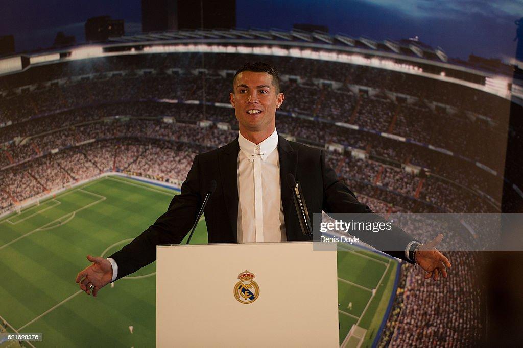 Cristiano Ronaldo Signs New Contract at Real Madrid : News Photo