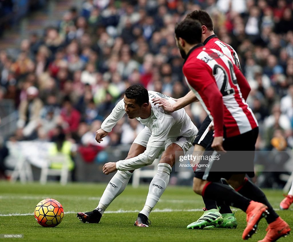 Cristiano Ronaldo (L) of Real Madrid in action during La Liga Football match between Real Madrid and Athletic Bilbao at Santiago Bernabeu Stadium in Madrid, Spain on February 13, 2016.