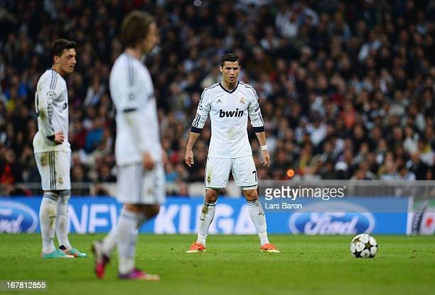 Cristiano Ronaldo of Real Madrid lines up a free kick during the UEFA Champions League Semi Final Second Leg match between Real Madrid and Borussia...