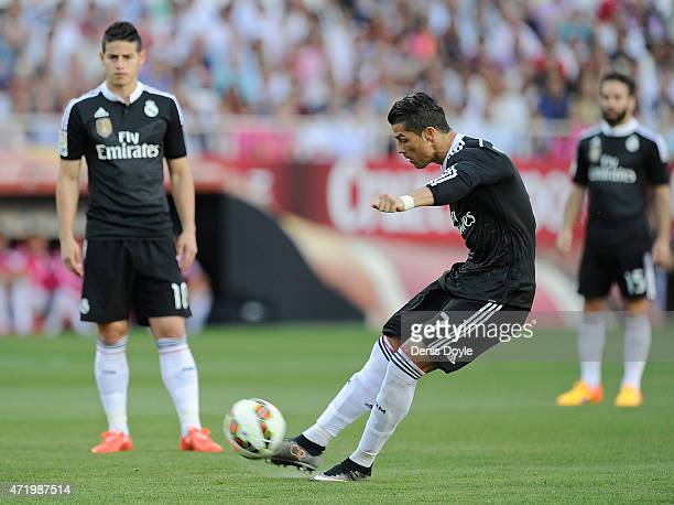 Cristiano Ronaldo of Real Madrid takes a free kick during the La Liga match between Sevilla FC and Real Madrid CF at Estadio Ramon Sanchez Pizjuan on...