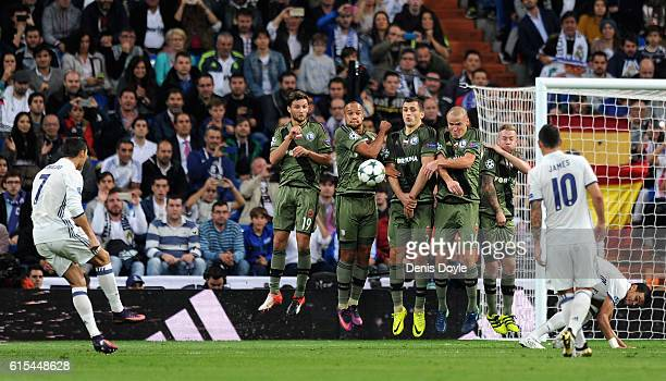 Cristiano Ronaldo of Real Madrid takes a free kick during the UEFA Champions League Group F match between Real Madrid CF and Legia Warszawa at...