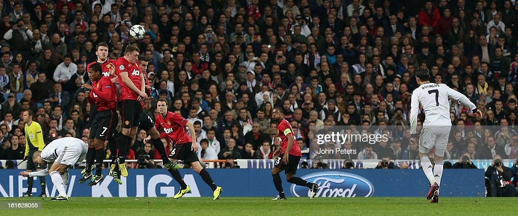 Cristiano Ronaldo of Real Madrid takes a freekick during the UEFA Champions League Round of 16 first leg match between Real Madrid and Manchester United at Estadio Santiago Bernabeu on February 13, 2013 in Madrid, Spain.