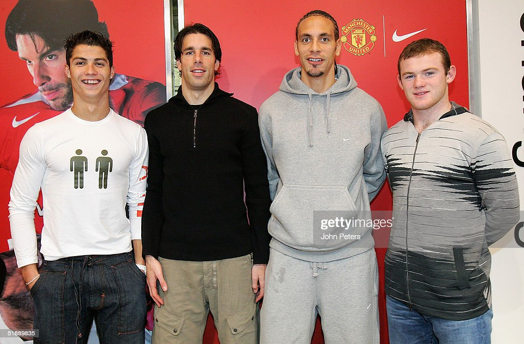 Hilo del Manchester United Cristiano-ronaldo-ruud-van-nistelrooy-rio-ferdinand-and-wayne-rooney-picture-id51889835