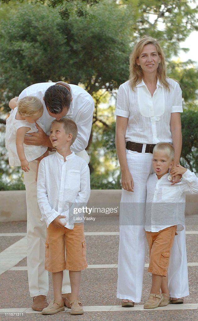 Cristina of Spain,Husband <a gi-track='captionPersonalityLinkClicked' href=/galleries/search?phrase=Inaki+Urdangarin&family=editorial&specificpeople=159330 ng-click='$event.stopPropagation()'>Inaki Urdangarin</a> and sons Juan Valetin, Pablo Nicolas,Miguel and Irene