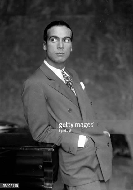 Cristobal Balenciaga Spanish couturier France on 1927