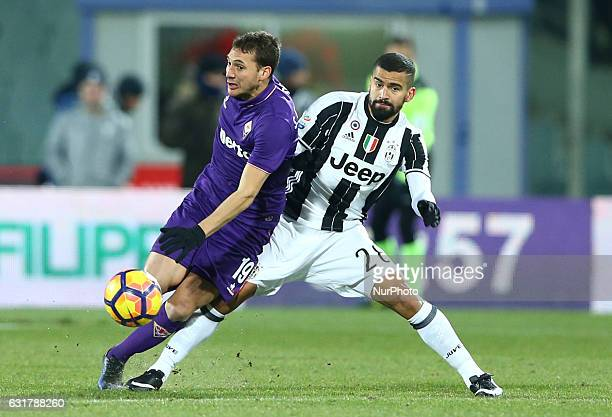 Cristoforo of Fiorentina and Tomas Rincon of Juventus in action during the Serie A match between ACF Fiorentina and Juventus FC at Stadio Artemio...