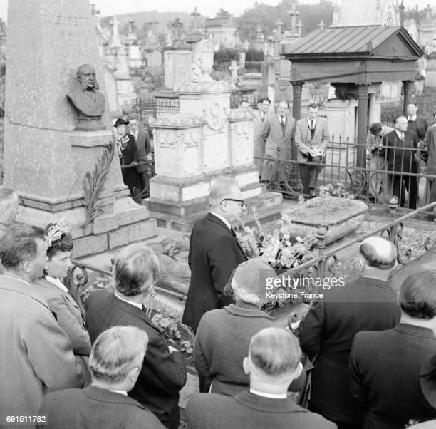 Cérémonie en mémoire à Jules Ferry à SaintDie France en novembre 1951