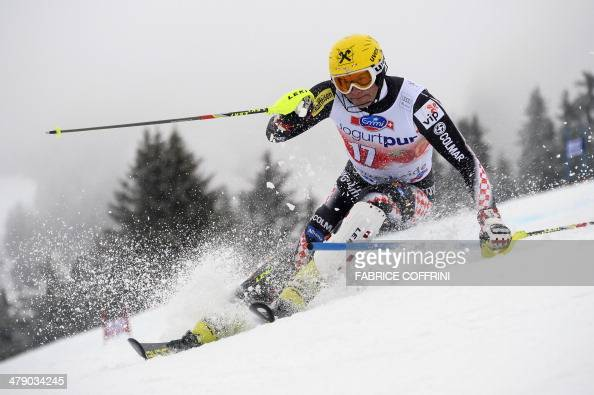 Croatia's Ivica Kostelic competes during the FIS Men's alpine skiing World Cup Slalom finals on March 16 in Lenzerheide AFP PHOTO / FABRICE COFFRINI
