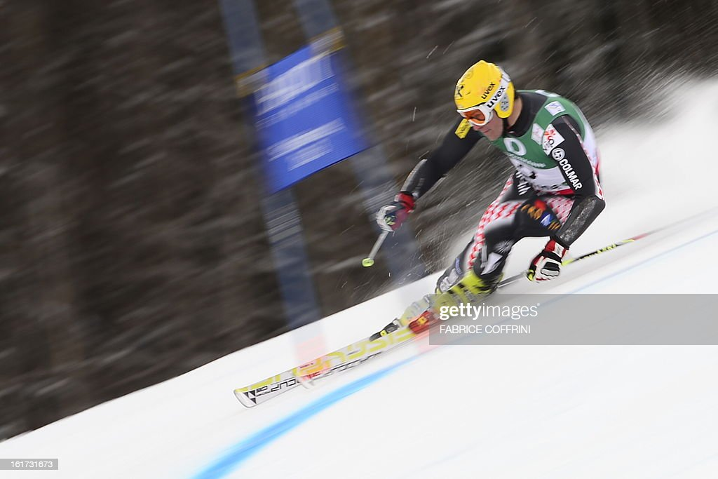 Croatia's Ivica Kostelic skis during the first run of the men's Giant slalom at the 2013 Ski World Championships in Schladming, Austria on February 15, 2013. AFP PHOTO / FABRICE COFFRINI