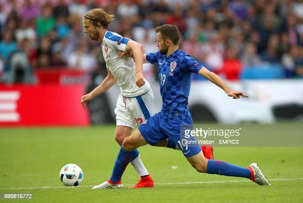 Croatia's Milan Badelj and Czech Republic's Jaroslav Plasil battle for the ball