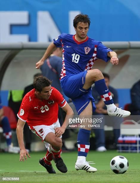 Croatia's Niko Kranjcar and Austria's Martin Harnik battle for the ball