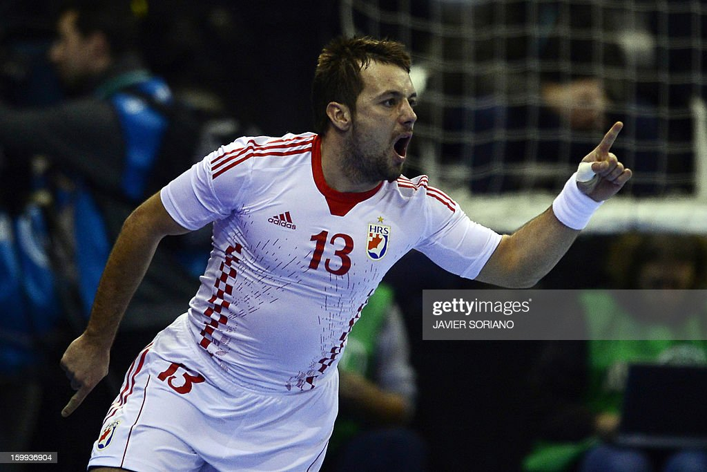 Croatia's right wing Zlatko Horvat celebrates after scoring during the 23rd Men's Handball World Championships quarterfinal match France vs Croatia at the Pabellon Principe Felipe in Zaragoza on January 23, 2013.