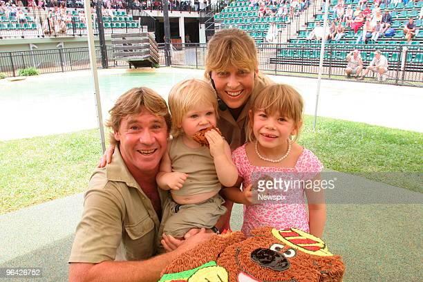 'Crocodile Hunter' Steve Irwin with his wife Terri Irwin daughter Bindi Irwin and son Bob Irwin on Bob's 2nd birthday at Australia Zoo sign at...