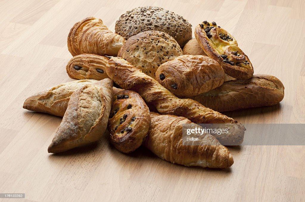 'Croissants, baguette, Danish, pain au chocola and buns XXXL'
