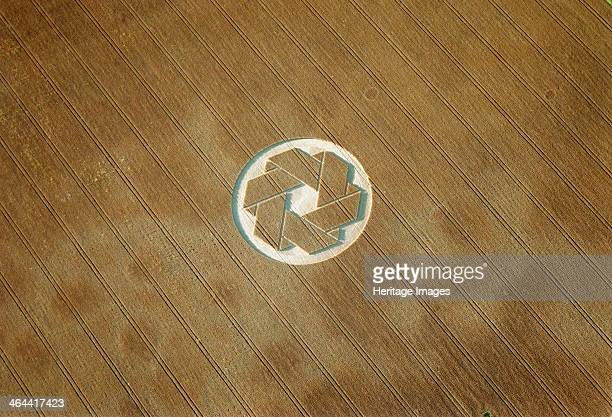 Crop circle near Avebury Wiltshire 1999 Some people regard crop circles as evidence of UFO contact or spiritual activity Others believe they are...