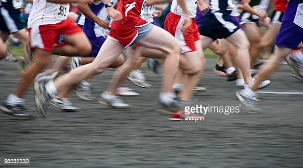 Cross-Country-Rennen beginnen