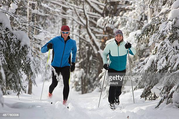 Cross Country Skiing Paar