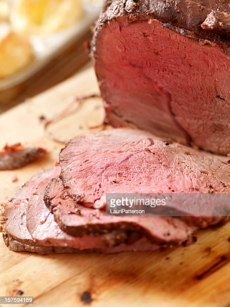 Les côtes de bœuf rôti avec Puddings du Yorkshire