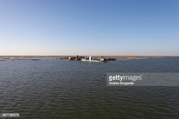 Crossing the Niger river 20 km from Timbuktu on January 20 2010 in the Timbuktu region Mali The Niger river is the main river of the Western Africa...