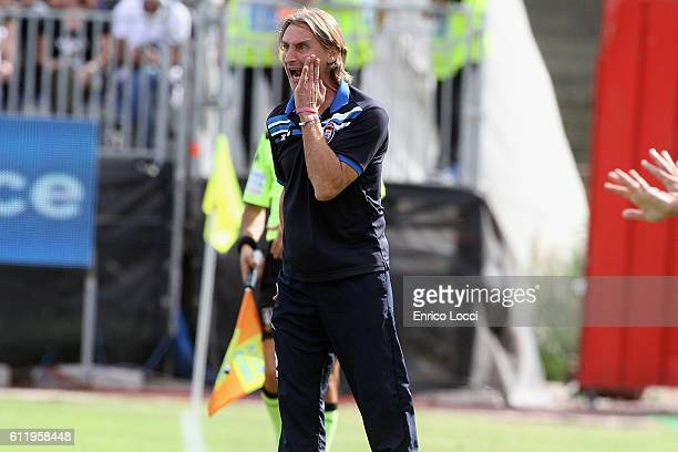 Crotone's coach Davide Nicola reacts during the Serie A match between Cagliari Calcio and FC Crotone at Stadio Sant'Elia on October 2 2016 in...