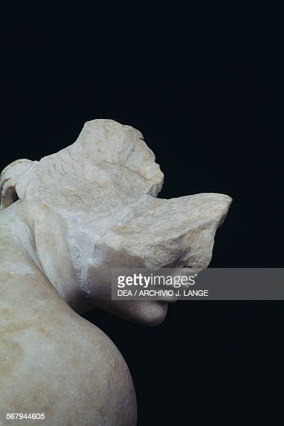 Crouching Aphrodite 117138 AD marble statue detail Roman civilisation Rome Museo Nazionale Romano Terme Di Diocleziano