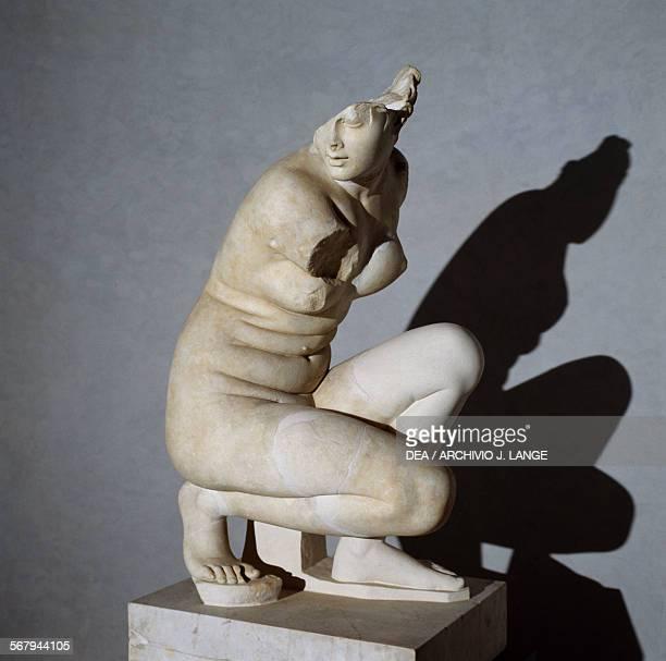 Crouching Aphrodite Hadrianera marble sculpture Roman civilisation 2nd century AD Roma Museo Nazionale Romano Palazzo Massimo Alle Terme