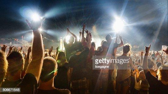 群衆の音楽コンサート