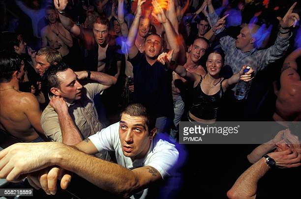swansea single guys Meet single men in swansea sc online & chat in the forums dhu is a 100% free dating site to find single men in swansea.
