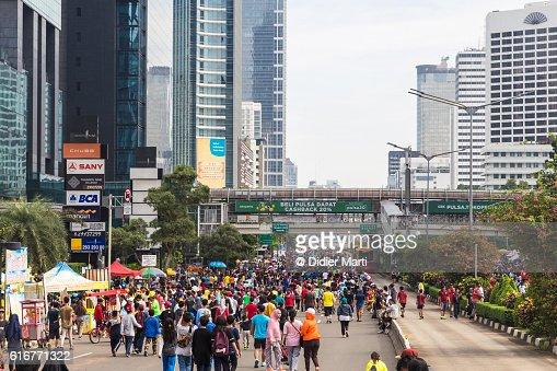 Crowd for Jakarta Sunday morning car free day : Stock Photo