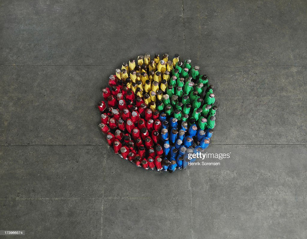 Crowd forming a circle diagraph