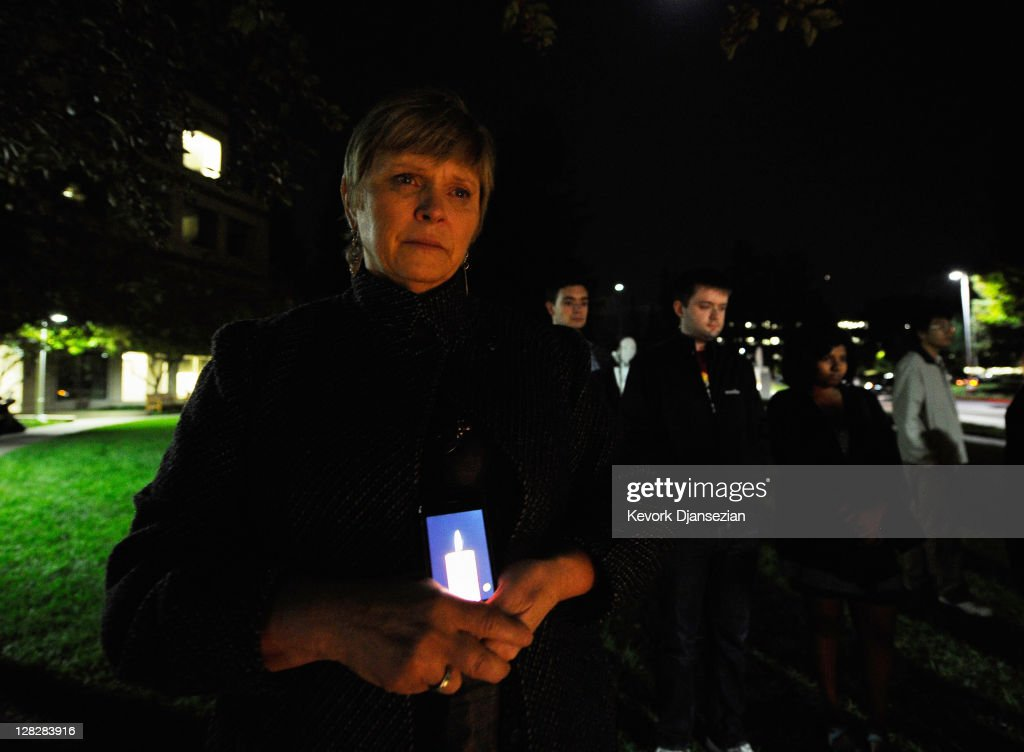 A crowd gathers at a makeshift memorial for Steve Jobs at the Apple headquarters on October 5, 2011 in Cupertino, California. Jobs, 56, passed away after a long battle with pancreatic cancer. Jobs co-founded Apple in 1976 and is credited, along with Steve Wozniak, with marketing the world's first personal computer in addition to the popular iPod, iPhone and iPad.