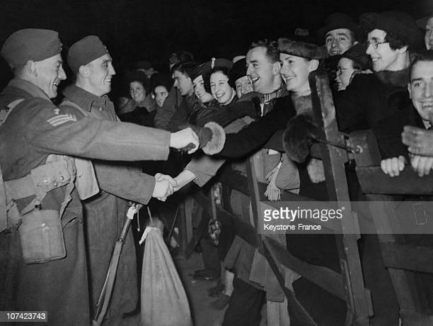 Crowd Greeting Canadian Troops At Their Arrival In England On December 19Th 1939